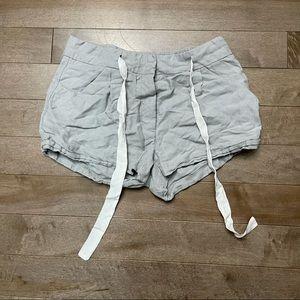 Aritzia Wilfred Linen Shorts